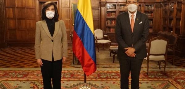 Canciller Claudia Blum se reunió con el Secretario General de la CAN