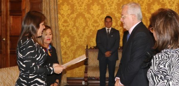 Embajador Fernando Alzate presentó cartas credenciales ante la Presidenta del Ecuador