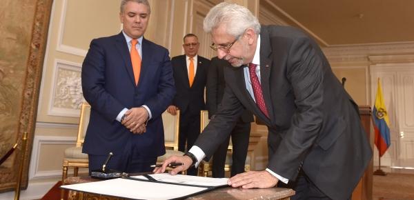 Presidente Iván Duque posesionó a Hans Peter Knudsen como nuevo Embajadoren Alemania