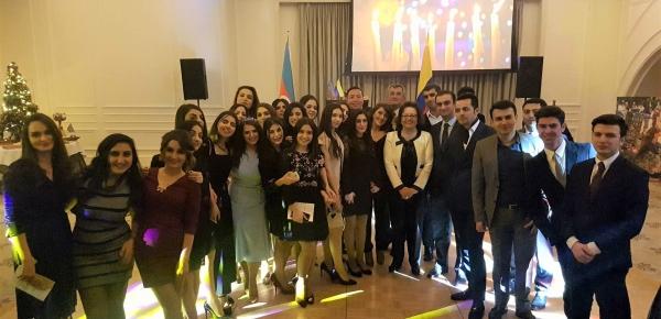 Finalizó el V Curso de Español para funcionarios públicos de Azerbaiyán en 2017