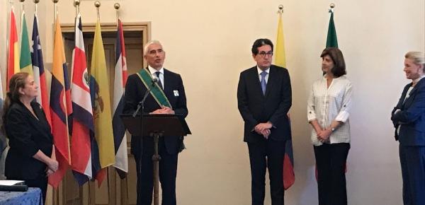 Ministra de Relaciones Exteriores condecoró con la Orden de San Carlos en el grado de Gran Cruz al senador y político italiano, Pier Ferdinando Casini