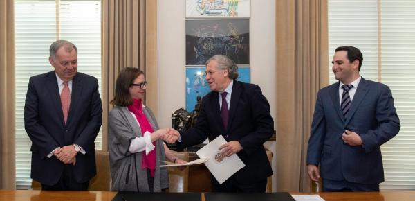 OEA y Colombia firman acuerdo para realizar la 49ª Asamblea General del organismo en Medellín