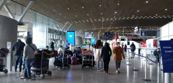 Desde Francia, hoy regresan al país 153 colombianos en un vuelo de carácter