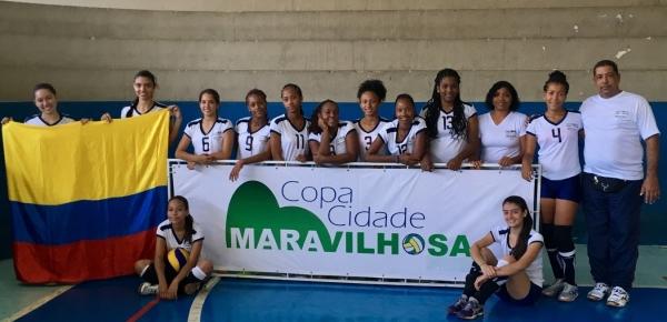 Regresaron a Colombia las 12 voleibolistas antioqueñas y sanadresanas que participaron en intercambio de voleibol