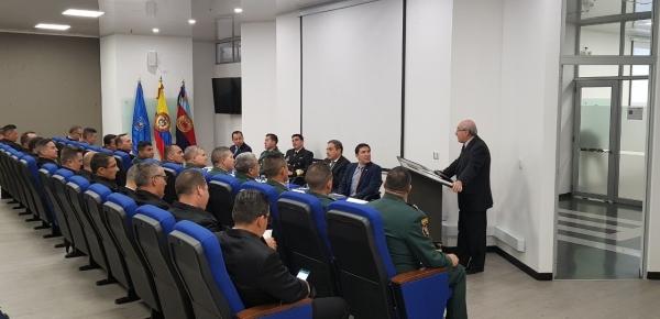 Director de la Academia Diplomática se dirigió a futuros agregados militares de Colombia en la Escuela Superior de Guerra