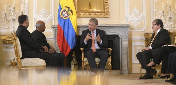 Presidente Iván Duque recibió cartas credenciales del Embajador de India en Colombia, Sanjiv Ranjan