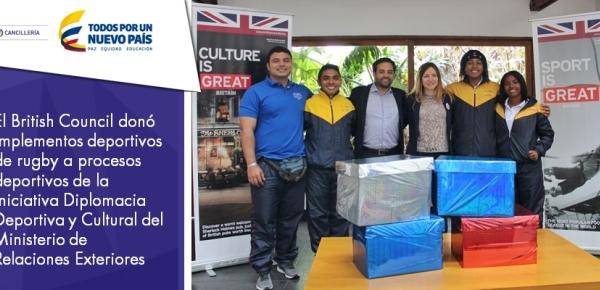 El British Council donó implementos deportivos de rugby a procesos deportivos de la iniciativa Diplomacia Deportiva y Cultural