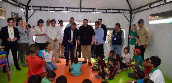 Canciller Carlos Holmes Trujillo acompañó el recorrido del Presidente colombiano y el Secretario de Estado de los Estados Unidos por el Centro de Atención Transitoria al Migrante