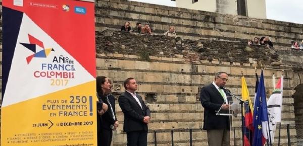 Embajador de Colombia en Francia dio apertura a la exposición 'Los espíritus, el oro y el chamán', en Nantes