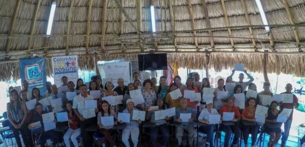 Programa Colombia Nos Une de la Cancillería certificó como emprendedores a 35 colombianos que retornaron de Venezuela al departamento de Atlántico
