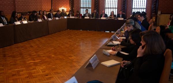 Foto de las entidades Nacionales dialogan sobre los Delitos contra Medio Ambiente