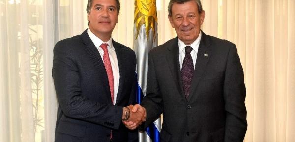 Nuevo Embajador de Colombia Fernando Sanclemente Alzate presentó copia cartas credenciales al Ministro de Relaciones Exteriores del Uruguay