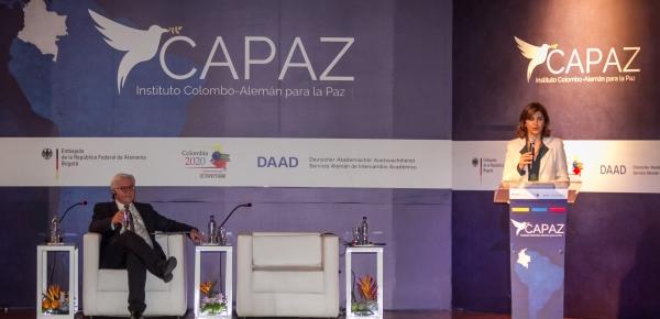 A partir de este viernes 13 de enero, Colombia, gracias al respaldo que ha venido brindando Alemania a los esfuerzos por lograr la paz, contará con una institución que apoyará la implementación de una paz sostenible en el país mediante actividades de investigación, enseñanza y consultoría.