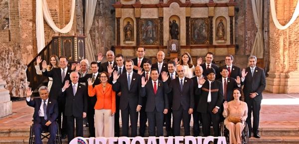 Foto oficial de la XXVI Cumbre Iberoamericana de Jefes de Estado y de Gobierno