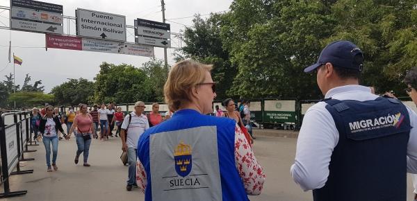 Cancillería y Oficial del Programa de la Unidad Humanitaria de la Agencia Sueca de Cooperación Internacional para el Desarrollo, evaluaron la situación de los migrantes venezolanos, en Cúcuta