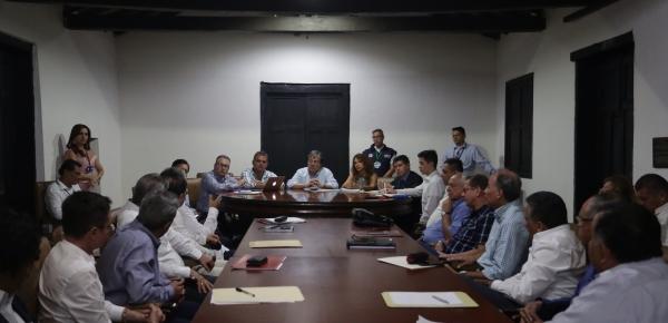 El Canciller Carlos Holmes Trujillo se reunió con Cónsules de Colombia en Venezuela