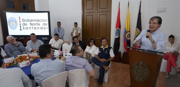 En reunión con gobernador, alcaldes y gremios de Norte de Santander, Canciller Trujillo explicó las acciones en el orden nacional, regional y multilateral para que se reconozca el impacto regional de la crisis migratoria