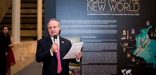 La Embajada de Colombia en Singapur inauguró la exhibición fotográfica 'Oro del Nuevo Mundo, Objetos Prehispánicos de Colombia'