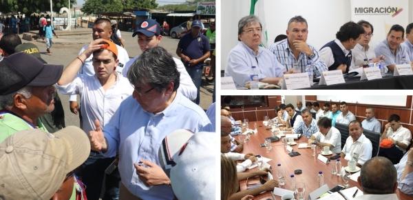 Ministro Carlos Holmes Trujillo visitó La Guajira para conocer el efecto de la crisis migratoria en la zona de frontera con Venezuela
