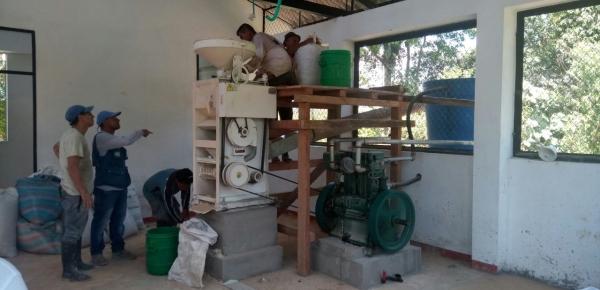 Cancillería y FAO entregaron planta trilladora de arroz en Nariño