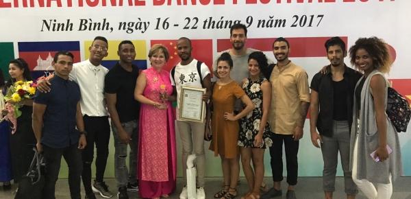 Premian en Asia a agrupación de danza vinculada al Plan de Promoción de Colombia en el Exterior