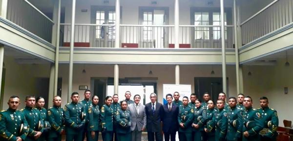 """Alféreces de la Escuela Militar """"General José María Córdova"""" visitaron la Academia Diplomática """"Augusto Ramírez Ocampo"""" de la Cancillería"""