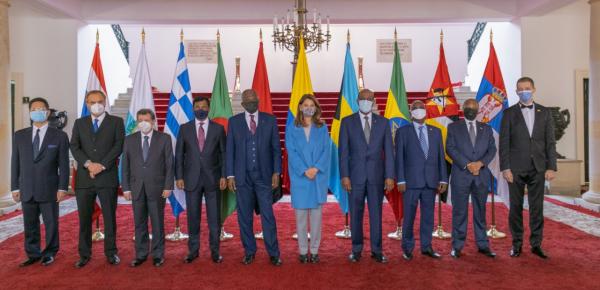 Vicepresidenta-Canciller recibió copia de Cartas Credenciales de nueve embajadores