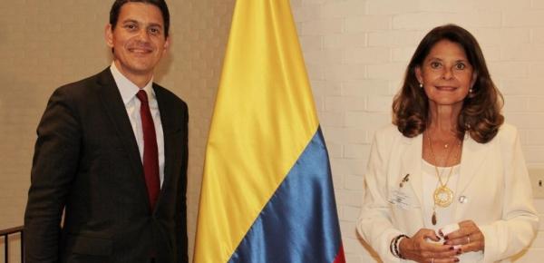Vicepresidente y Canciller se reunió en Nueva York con David Miliband