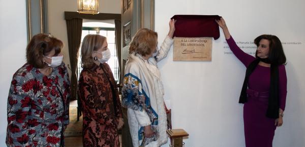 Se presentó placa en homenaje a Manuelita Sáenz