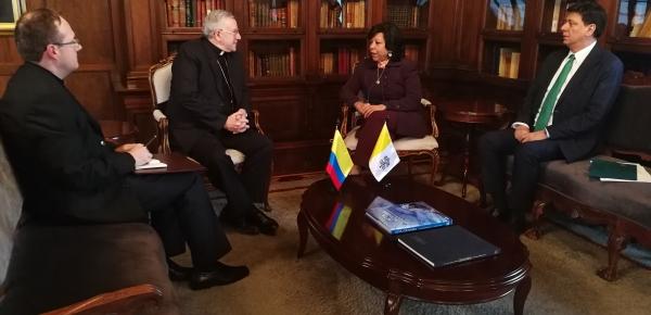 Nuncio Apostólico designado para Colombia presentó copia de cartas credenciales a la Viceministra de Relaciones Exteriores de Colombia