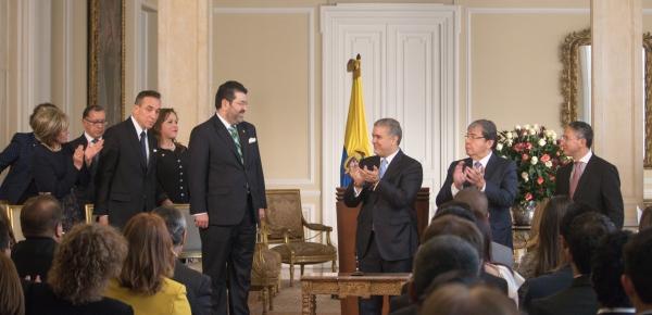 """""""La meta ahora es que al final del Gobierno incrementemos al 50% el número de Embajadores de Carrera nombrados en el exterior"""": Presidente Duque"""