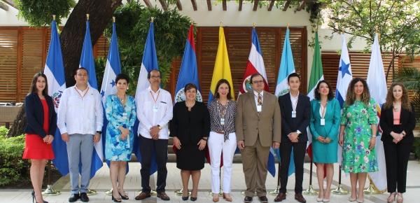 Comisionados presidenciales aprueban creación del Consejo Empresarial Mesoamericano en 2019