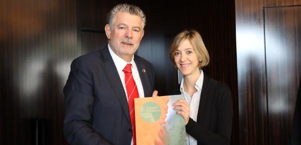 La Viceministra de Relaciones Exteriores, Patti Londoño, sostuvo un encuentro con el Presidente y fundador de Peace and Sport, Joël Bouzou