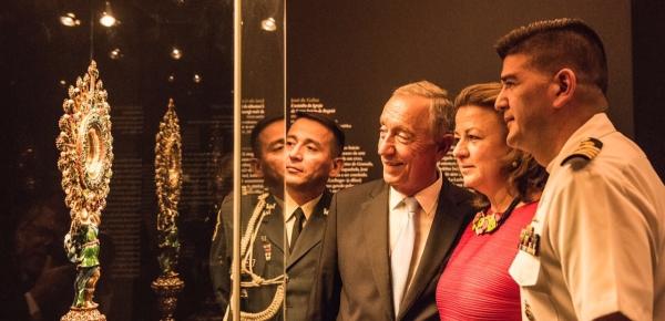 """La Embajadora de Colombia en Portugal recibió al Presidente Marcelo Rebelo de Sousa en su visita a la exposición de """"La Lechuga' en el Museo"""