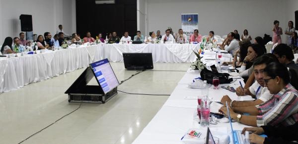 """""""Las fronteras son donde inicia el país, no donde termina"""": Víctor Bautista, Director para el Desarrollo y la Integración Fronteriza en reunión con municipios y departamentos fronterizos"""