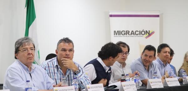 El Canciller Carlos Holmes Trujillo presidió reunión en el Puesto de Mando Unificado en Paraguachón