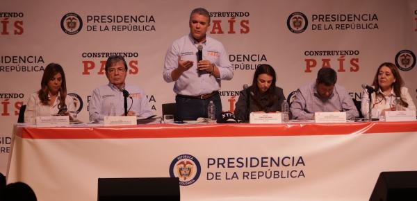 """""""Necesitamos que el mundo también entienda que la reacción (ante la crisis migratoria venezolana) debe ser global"""": Presidente Iván Duque"""