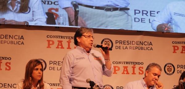 """""""Con respecto al tema consular, la política que trazó el Presidente Duque es clarísima: más y mejores servicios a los colombianos en el exterior"""": Canciller Carlos Holmes Trujillo"""