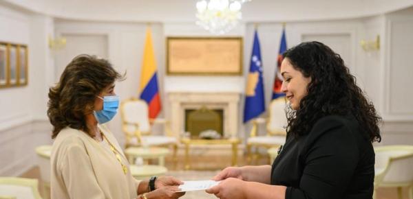 Embajadora de Colombia en Italia, Gloria Isabel Ramírez Ríos, presentó credenciales que la acreditan como Embajadora no residente en Kosovo