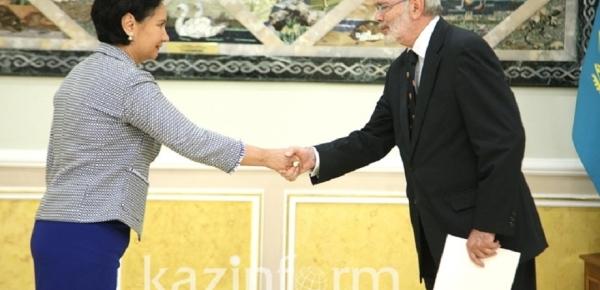 Embajador de Colombia en Rusia presentó cartas credenciales ante el Gobierno de Kazajistán