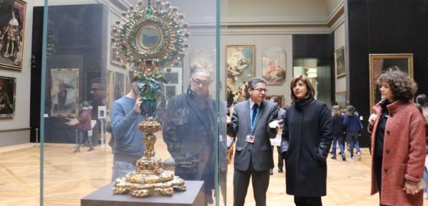Canciller Holguín visitó La Lechuga y La Santa Bárbara en el Museo de Louvre de París