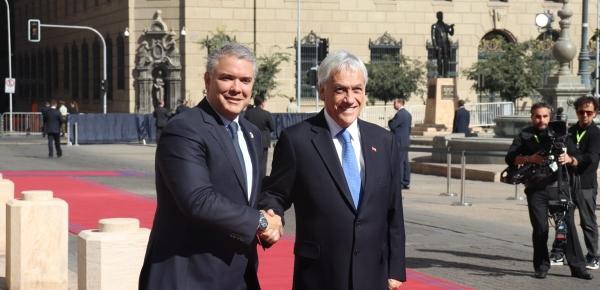 Presidente Iván Duque fue recibido por su homólogo Sebastián Piñera a su llegada al Encuentro de Presidentes de América del Sur 2019 en Santiago de Chile