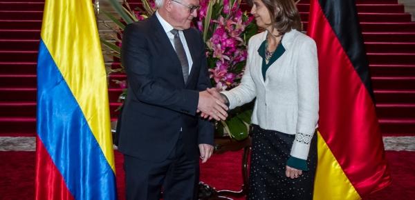 Saludo oficial de la Canciller Holguín al Ministro de Relaciones Exteriores de Alemania