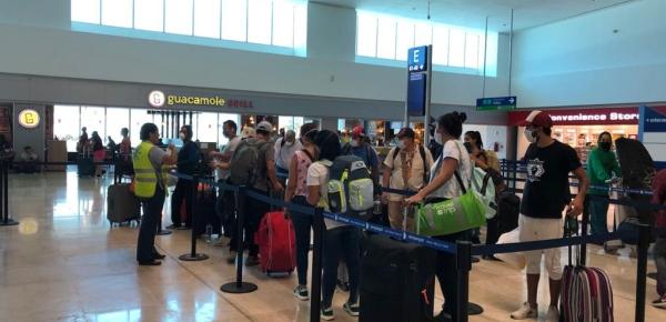 Desde México, hoy regresan al país 150 colombianos en un vuelo de carácter humanitario