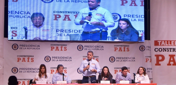 Homologación de títulos, servicios consulares digitales y asesoría en retorno al país para colombianos en el exterior: algunas de las medidas planteadas por el Presidente Duque en Primer Taller Construyendo País