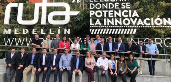 Visita de delegación del Paraguay a Medellín para conocer modelos de innovación fortalece lazos de cooperación con Colombia
