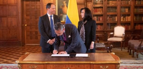 Canciller Claudia Blum posesionó al nuevo Director de Migración Colombia, Juan Francisco Espinosa
