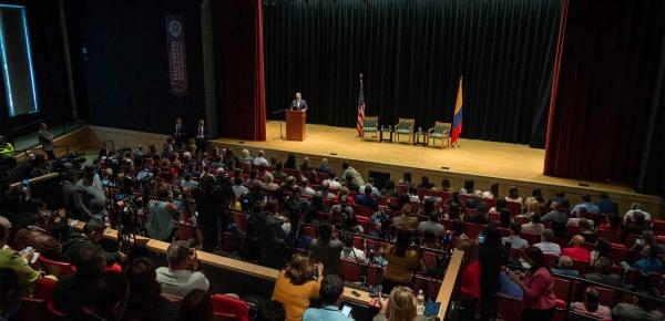 """""""No queremos tener embajadores en los escritorios, sino en los territorios donde estén nuestros inmigrantes"""", afirmó el Presidente Duque ante comunidad colombiana en Nueva Jersey"""