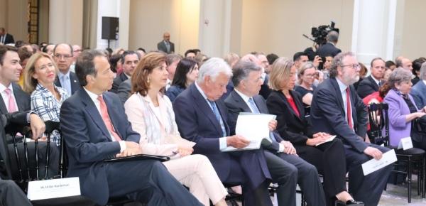 """El Presidente Santos y la Canciller Holguín participaron en el foro """"Resolución de Conflictos en el Siglo XXI: El Caso de Colombia"""", en Bruselas"""