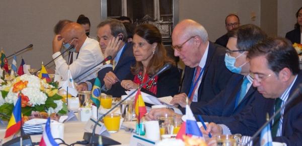 En reunión con 21 Cancilleres Iberoamericanos, la Vicepresidente y Canciller hizo un llamado a priorizar los temas
